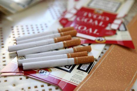 Aizliegtais paņēmiens, contraband cigarettes, search, Riga Central Market, State Police