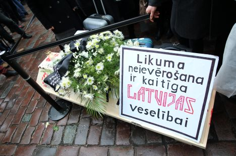 doctors, wages, Saeima, protest, municipal reform, opponents, Latvia,