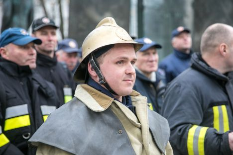 firefighters, wages, Lithuania, fire