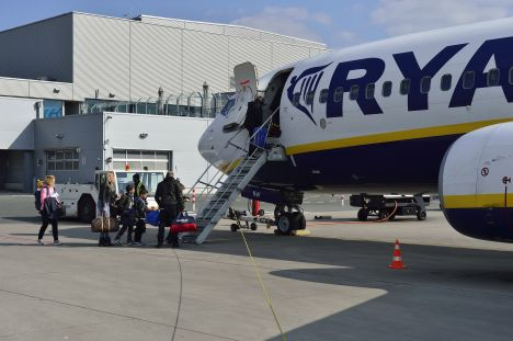 Ryanair, airline, baggage policy