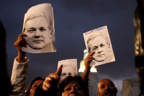 Julian Assange, Sweden, Wikileaks