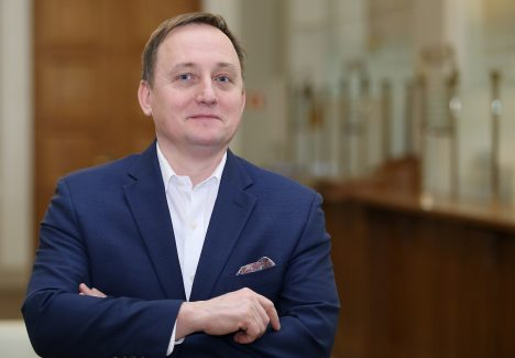 Bankf of Latvia, Mārtiņš Kazāks, Saeima, governor
