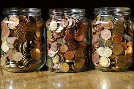 topical, wages, Swedbank, savings