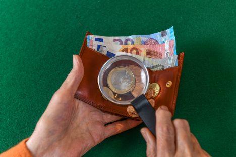 Swedbank, taxes, changes, survey