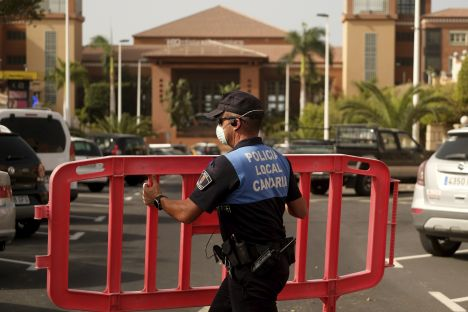 Canary Island hotel on lock-down over coronavirus | Baltic News ...