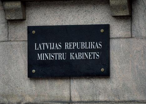Artuss Kaimiņš, Covid-19, coronavirus, wash hands, ministers, Cabinet of Ministers, stay home, self-isolation, prime minister, Saeima